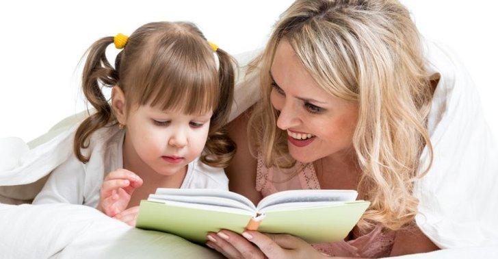 kind ein kinderbuch vorlesen
