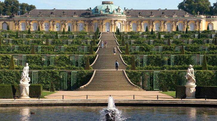 Schloss Sanssouci im Postdamer Garten