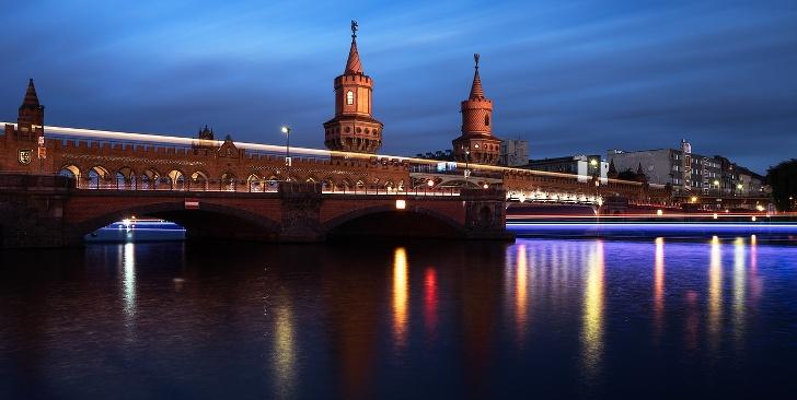 Berliner Spree and der Oberbaumbrücke